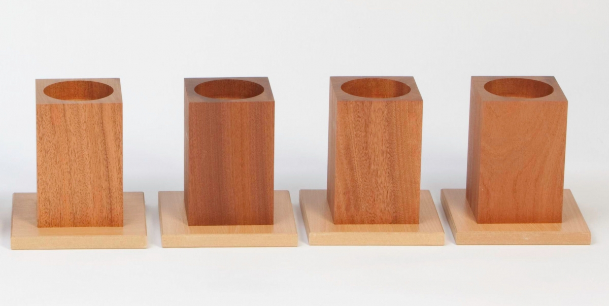 Houten verhogers 15 cm hulpmiddelen voor hulpbehoevenden en zorg welzijn - Houten tafel en stoel ...